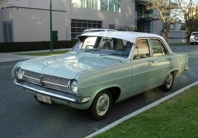 2 1965 HD Holden