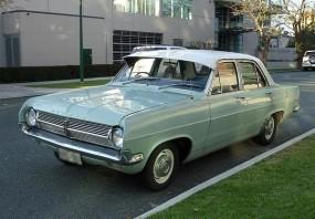 2 1965 HD Holden